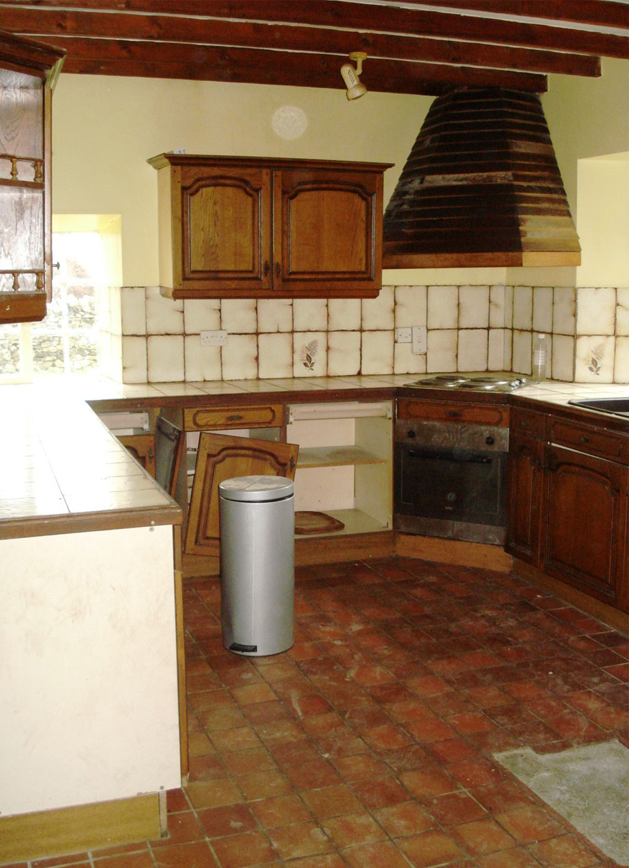 Hall Farm-Wardlow - Kitchen interior before works L6